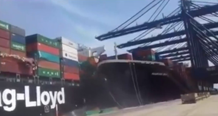 Collision-of-two-ships-at-Karachi-Port